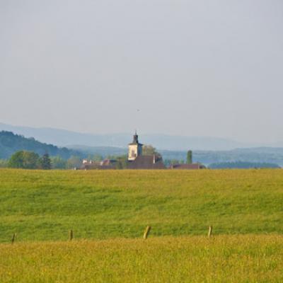 Vue du village de la route de Byans